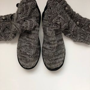 Muk Luks Cable Knit Boots Size 11